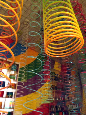 Largest collection of Slinkys: Susan Suazo breaks Guinness ...