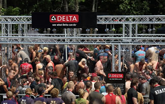 As part of its HappiMess™ campaign to help everyone embrace mess as evidence of a life well-lived, Delta Faucet earned a world record title today in its home state of Indiana by helping 331 Warrior Dash participants simultaneously clean up in an innovative, outdoor showering station featuring 164 Delta® H2Okinetic® showerheads.
