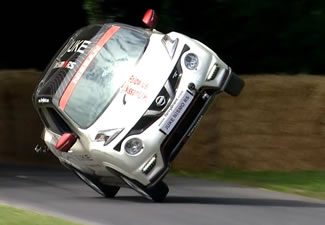 The Nissan Juke Nismo RS, at the hands of veteran stunt driver Terry Grant, has set a new world record for the fastest mile travelled on two wheels in a four-wheeled vehicle at the 2015 Goodwood Festival of Speed.