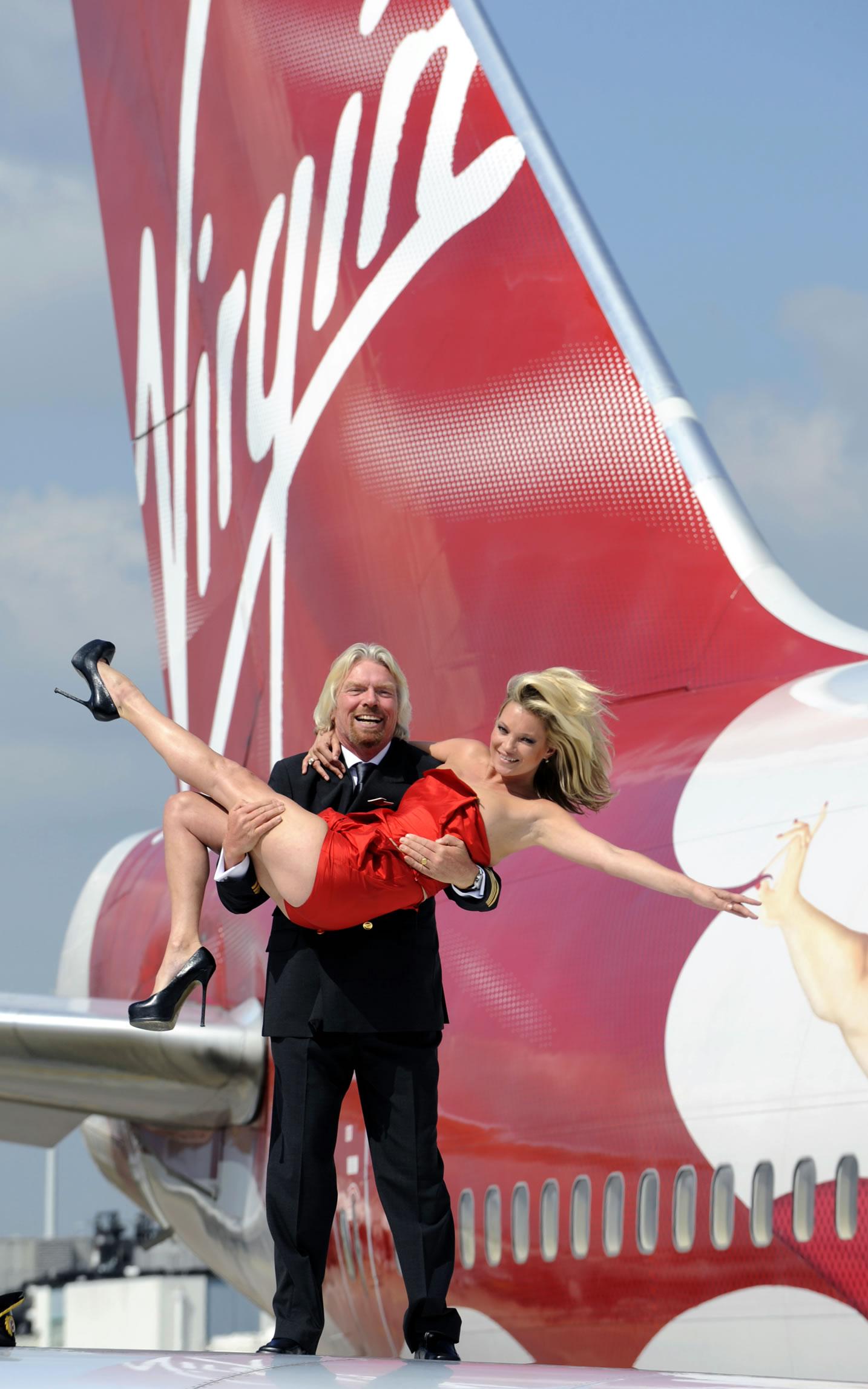 Wette verloren: Virgin-Chef Branson muss ins